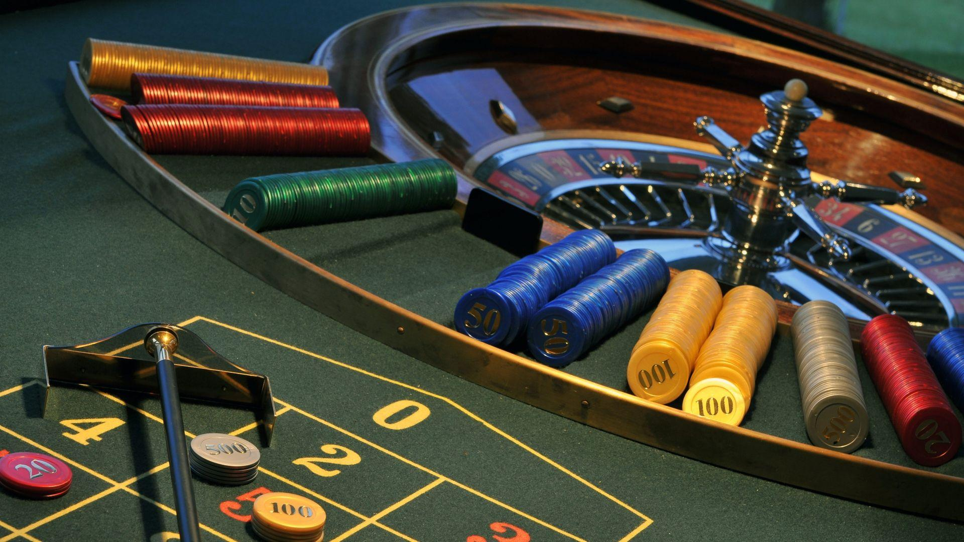 Online Casino Query: Does Dimension Matter?